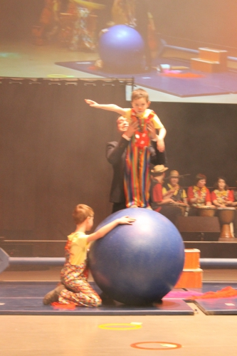 spectacle cirque 073.JPG